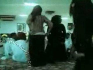 Arab hijab rallig gruppe dance-asw395
