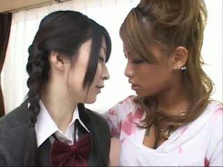 Jap lesbietiškas kiss