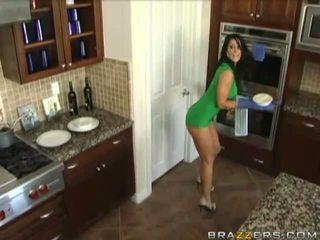 Husbands swap ženy před dinner