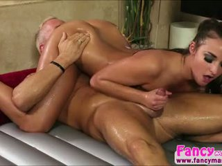 Sexy và đẹp amirah adara turns marcuss đau trong niềm vui