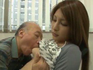 Chinesisch youngster has sie diminutive labia got laid von an reif junge