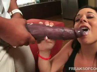 Soaked porno floozy aarielle alexis stuffs jos burna su a monstras penis