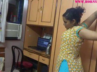 Warga india amatur babes lily seks