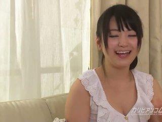 Cutest japonais rasé fille tsuna kimura avec six mains