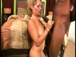 Skanky blonde grandma gets pounded har...