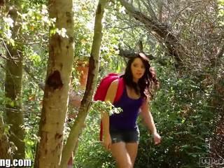Webyoung zoey paige venkovní lesbička zábava