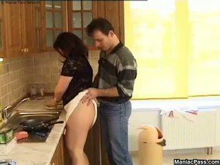Debeli muca kuhinja tla jebemti, brezplačno bbw porno 81