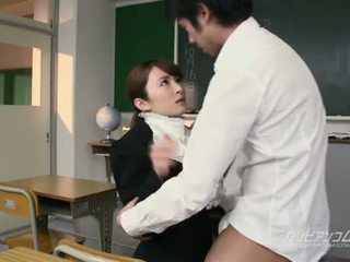 Beauty leraar geneukt hard door students