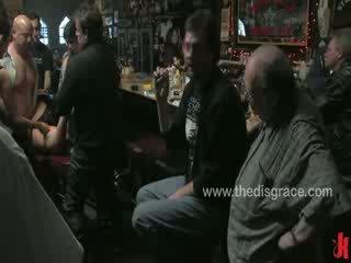 Harmony rose é used e abusada por um bar completo de hooters bêbeda bikers