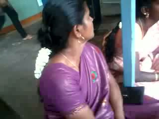 Satin matase saree aunty, gratis indian porno video 61
