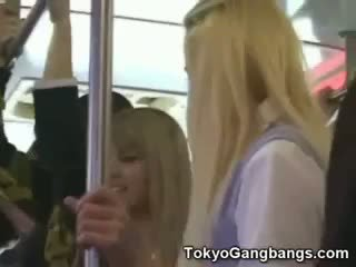 Baltas coeds į tokyo subway!