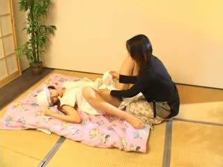 Milking 和 吸吮 奶 3 熱 亞洲人 (japanese) 青少年