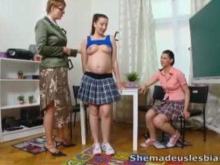 Вона зроблений нам лесбіянки - simona і її сексуальна classmate