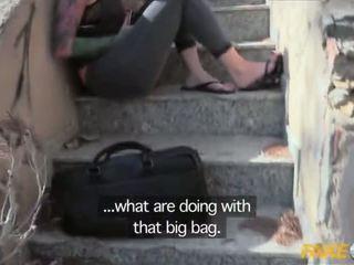 Fake polic i kapuri me një i madh dildo dhe fucked nga një copper