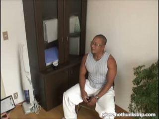 Muscular isa karu