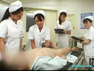 4 nurses giving smaukymas ir čiulpimas už pacientas sperma į burna