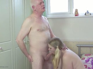 Baba s stepdaughter: vajzë pd porno video 2d