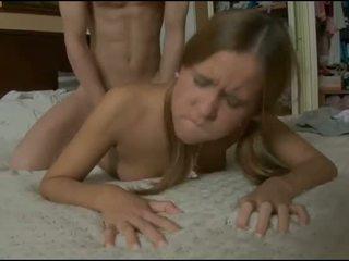 Slutty วัยรุ่น explores แก่แล้ว ควย