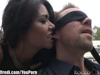 Roccosiffredi cumswapping anal sexo a 3