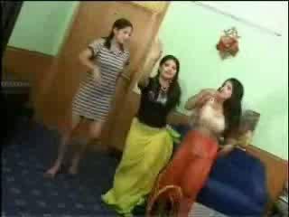 Kails arab meitenes video