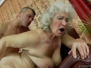 Włochate babcia getting fucked ciężko