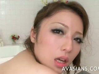 Cycate japońskie mama likes to głębokie w the łazienka