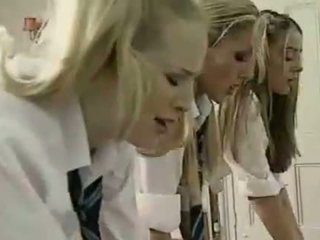 女同志 英國的 schoolgirls 和 老師
