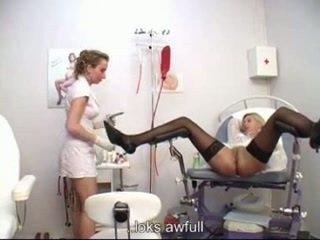 גינקולוגית examining
