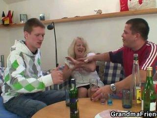 fpm, bunică, mamele și boys