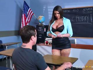 Brazzers - セクシー 熟女 brooklyn chase teaches 彼女の 学生