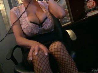 Gjoksmadhe kelly madison has nxehtë telefon seks në të saj zyrë