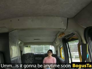 Squirting taxi brit прецака от bogus cabbie: безплатно hd порно 53