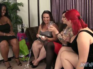 Nagymellű balchoelette buli turns hardcore leszbikus szex