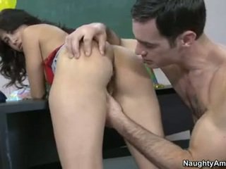 brunetka wielki, prawdziwy hardcore sex wielki, robienie loda gorące