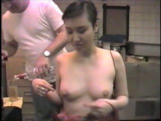 Koreańskie ex-model slumming to ssanie dicks w a bar: porno 2b