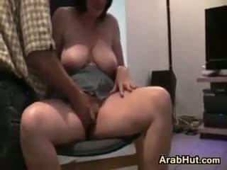 Amatør arab kvinne fingered og knullet