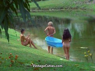 Nudista život na the island