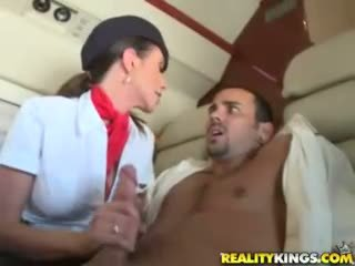 Horký flight attendents ariella ferrera a aimee addison dej v flight výstřik