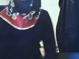 비디오 - hijab 소녀 전시 바보 에 웹캠