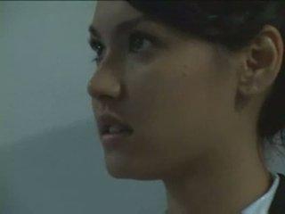 Maria ozawa terpaksa oleh keamanan guard