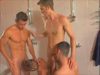 Horký homosexuální showers orgie