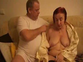 Babičky masturbating podle chlapec přítel