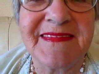 Oma puts auf sie lippenstift dann sucks jung schwanz video