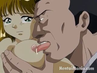 Brun haired manga cutie getting grand jugs licked et chatte smashed en la park
