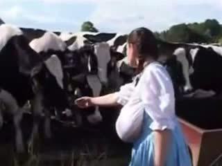 Warga german susu pembantu rumah: percuma lucu lucah video