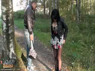 Samopašné outdoors sex video vyrobený v park