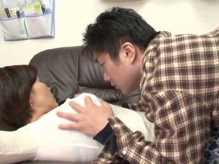 Dronken japans moeder gets misbruik door haar jongen