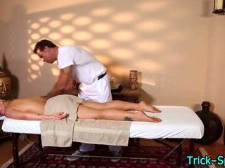 Karštas blondes oily masažas