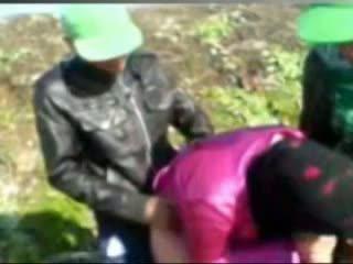 Gorące egipskie dziewczyna fucked przez tow man's w farma
