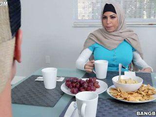 mamada, árabe, hermana